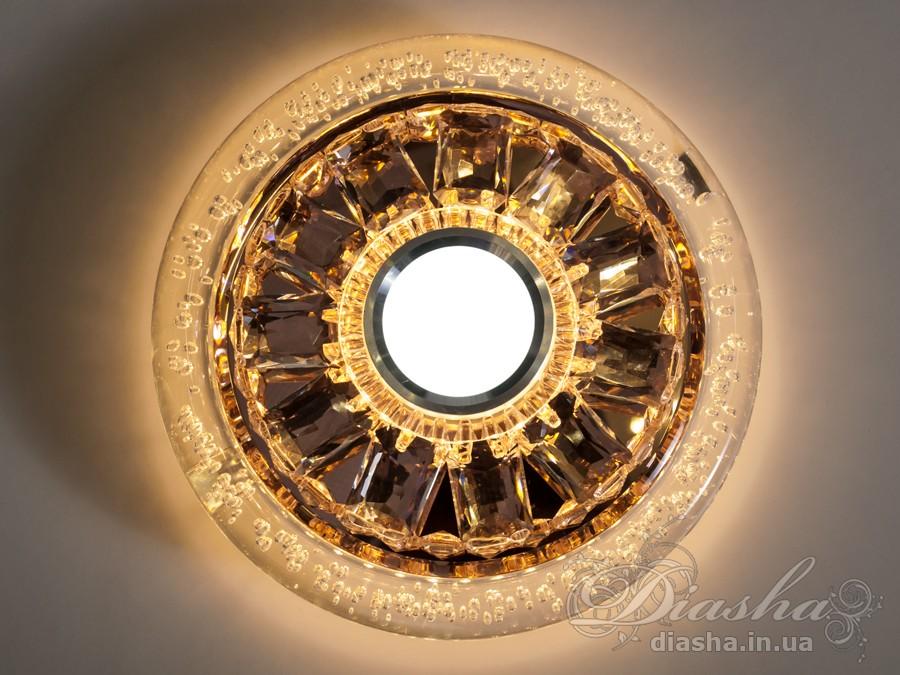 Светильник оснащен встроенным LED модулем 14W. Светодиодный свет преломляется в сотнях граней точечного светильника и равномерно распределяется по помещению.Светильник экономичен, красив, современен и изготовлен из качественного хрусталя, что обеспечивает ему хорошее преломление света и образование четких ярких бликов.Светильники этой модели могут быть установлены в отверстие 100мм, или как накладные светильники. Весь необходимый крепеж в комплекте. Точечные светильники просты и легки в установке, поэтому их монтаж не займет много времени и труда. Они запросто могут изменить пространство помещения. Если точечные светильники установить по периметру потолка, то он будет казаться выше, а сама комната – намного больше.Примите это как руководство к действию. И тогда эти хрустальные точечные светильники будутспособны обеспечить Вам комфорт именно на том уровне, которого Вы так долго ждали!Лампа в комплект не входит.