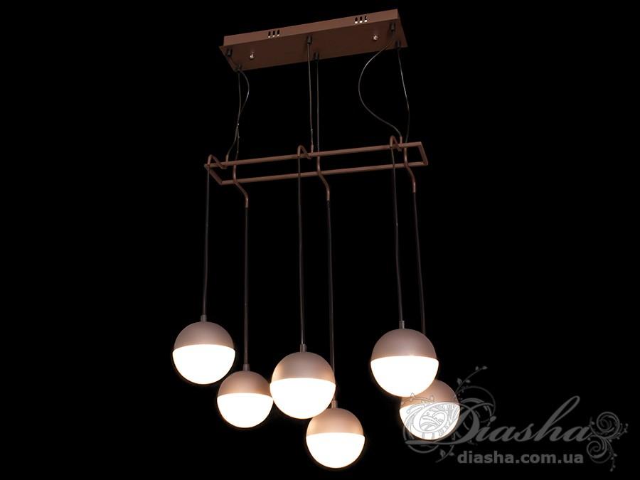 Такая люстра запросто подойдет под любой интерьер – классический, современный и даже в стиле «хай-тек». Такая люстра может стать как центральным освещением для зала или кухни, так и отличным решением для освещения лестничного холла.Изящные светодиодные светильники предназначены для создания яркого светодиодного освещения с регулируемой цветовой температурой от тёплого белого до холодного белого.Переключение спектров свечения светодиодной плюстры осуществляется простым выключением-включением.LED люстра позволяет выбирать режим освещения в зависимости от времени суток и выполняемых под её светом задач.