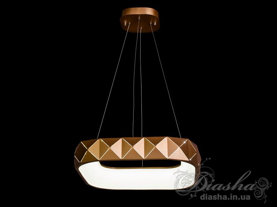 Перед Вами совсем новое и необычное исполнение плафонов, обрамляющих LED лампы. Такая люстра запросто подойдет под любой интерьер – классический, современный и даже в стиле «хай-тек».Пульт в комплект не входит.
