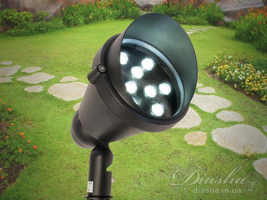 В отношении выбора садово-парковых светильников необходим тщательный анализ и подход, который будет учитывать существующие пожелания и актуальные тенденции рынка. На этих факторах, собственно, и специализируется известный бренд Diasha lighting, предлагающий своим клиентам высокое качество исполнения. Садово-парковые светильники очень важны для создания общего экстерьера. Газонные светильники, светильники колышки, или как их ещё называют грунтовые светильники разработаны специально для подсветки кустов, деревьев, садовых скульптур и других элементов ландшафтного дизайна. В отличие от светильников конкурентов, корпуса наших светильков для ландшафтного светового дизайна выполнены из алюминия и стекла - никакого пластика. А это значит повышенная стойкость к атмосферным осадкам, прямым солнечным лучам и перепадам температуры. Улучшенный теплоотвод от светодиодов. Надёжная фиксация в грунте - отсутствие необходимости раз в пару месяцев поправлять светильник. Пластиковые газонные светильники, особенно, идущие на солнечных батареях приходится менять каждый год. Наши светильники один раз установил/подключил и получил красивое освещение участка на долгие годы!