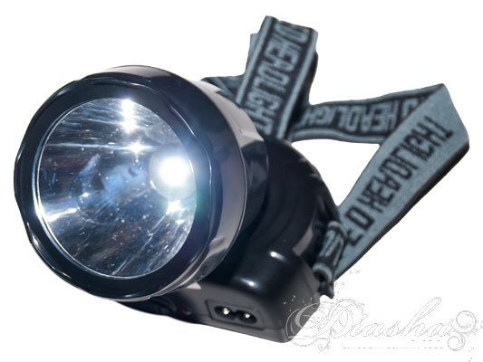 Основная особенность аварийных светильников заключается в возможности автономной работы, даже в ситуации, если отсутствует основное освещение, от внутреннего аккумулятора в течение многих часов.Фонарь имеет 2 режима работы и может создавать мощный направленный луч света.