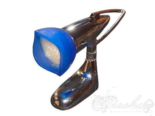 Споты очень удобны при подсвечивании определенных участков, тем более, что они отличаются отменной пластичностью и возможностью регулировать их направление в разные стороны, представляя каждое помещение в более выигрышном свете. Споты данной серии расчитаны на стандартные лампы накаливания, экономки или LED лампы с патроном Е14. Благодаря этому, Вам не придеться проходить десятки магазинов в поисках специализированных ламп. Такой спот предназначен, в основном, для использования в качестве настенного бра. Его устанавливают над письменным столом, креслом или диваном, что позволяет читать газеты или книги в любое время дня и ночи.