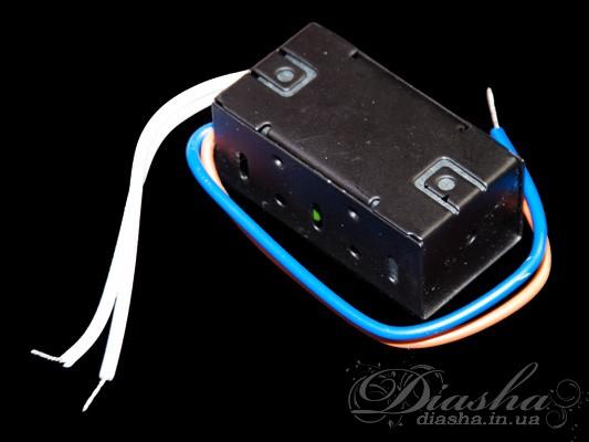 Наиболее простой и недорогой блок питания для светодиодных ламп. Произведен на базе электронного трансформатора для галогеновых ламп, полностью соответствуя ему по размерам и монтажу. Рекомендуемая нагрузка 1-15Вт. Может быть использован с любыми светодиодными лампами с интегрированным выпрямителем.