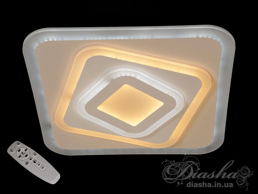 Светодиодная квадратная панель — удобный способ осветить помещение. В этой модели с помощью пульта-диммера можно выбирать подходящую цветовую температуру — тёплую 2700К, нейтральную 4500К, холодную 6400К, а также отрегулировать яркость самой люстры — это очень удобно! Светодиодный светильник выполнен из акрила — такой материал лёгок, прочен и имеет приятную способность рассеивать свет. Также LED панель, как и любую люстру, можно подключить к выключателю.