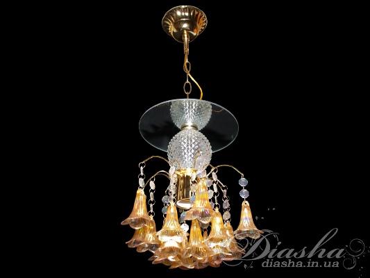 Недорагая люстра-подвес может быть использована и как самостоятельная люстра для освещения небольшого помещения, и как подвес-точечный светильник в дополнение к классическим люстрам.